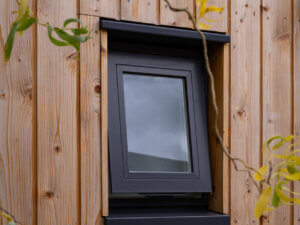 Small Top guided Window
